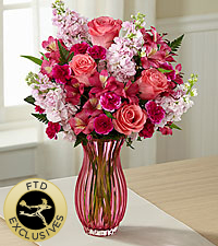 The FTD ® Timeless Elegance™ Bouquet