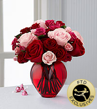 The FTD ® My Heart to Yours™ Rose Bouquet - VASE INCLUDED