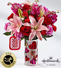 The FTD ® Love You XO™ Bouquet by Hallmark