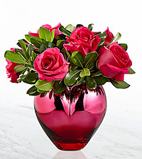 The FTD ® Hold Me in Your Heart™ Rose Bouquet -VASE INCLUDED