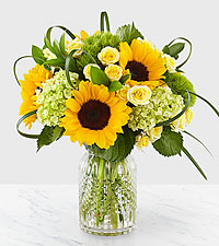 Sunlit Days™ Sunflower Bouquet