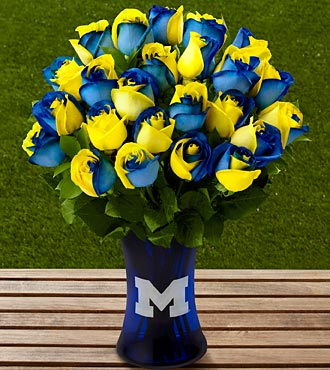 The FTD&reg; University of Michigan&trade; Wolverines&trade; Rose Bouquet - 24 Stems - VASE INCLUDED