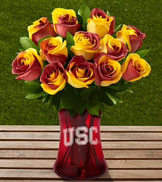 The FTD&reg; University of Southern California&reg; Trojans&reg; Rose Bouquet-12 Stems-VASE INCLUDED