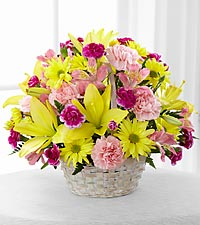 Le bouquet Basket Of Cheer� de FTD� - PANIER INCLUS