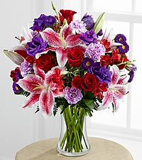 The Stunning Beauty&trade; Bouquet by FTD &reg; - VASE INCLUDED