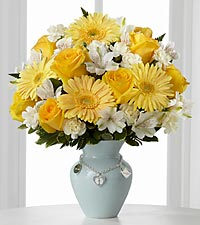Le bouquet Mother's Charm™ de FTD� - Gar�on - VASE INCLUS