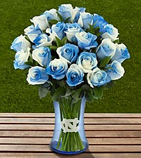 The FTD&reg; University of North Carolina&reg; Tar Heels&reg; Rose Bouquet -24 Stems - VASE INCLUDED
