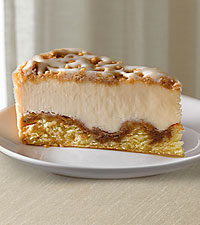 Eli ® Cinnamon Roll Streusel Cheesecake