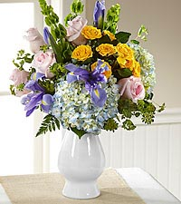 The FTD ® Welcome™ Bouquet