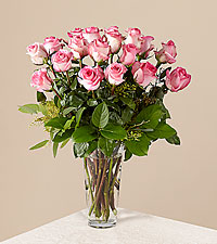 Le bouquet de roses roses � longues tiges de FTD� - VASE INCLUS