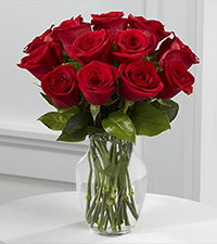 True Love Valentine Rose Bouquet -12 Stems - Vase Included