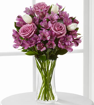 Simply Unforgettable Bouquet - 14 Stems - VASE INCLUDED