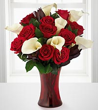 Memorable Moments Bouquet - 17 Stems - RED VASE INCLUDED