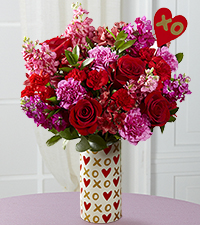 Heart of Hearts Valentine 's Day Bouquet - Heart Pick & VASE INCLUDED