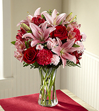 Forever Love Valentine 's Day Bouquet - Vase INCLUDED