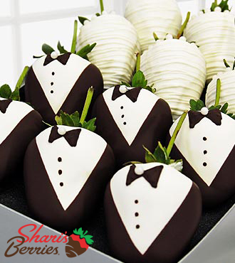Golden Edibles™ Bride & Groom Belgian Chocolate Covered Strawberries - 12-piece