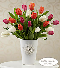 The FTD ® Pacific Trends™ Bouquet for Kathy Ireland Home