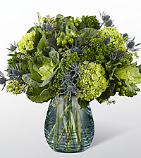 The FTD ® Ocean 's Allure™ Luxury Bouquet - VASE INCLUDED