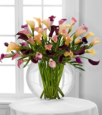 Flawless Luxury Calla Lily Flowers - 45 Stems - Vase Included