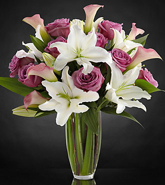 Flowing Luxury Rose & Lily Bouquet - 19 Stems - VASE INCLUDED