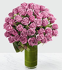 Le bouquet de roses Sensational Luxury - 48 roses de premi�re qualit� � tiges de 24 pouces - VASE INCLUS