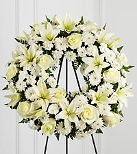 The FTD ® Treasured Tribute™ Wreath