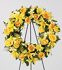 The FTD&reg; Ring of Friendship&trade; Wreath