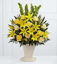 The FTD&reg; Golden Memories&trade; Arrangement