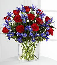 The FTD ® So In Love™ Bouquet - VASE INCLUDED