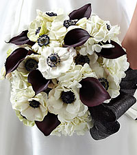The FTD ® To Have and To Hold™ Bouquet