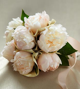 The FTD&reg; Simple Sophistication&trade; Bouquet