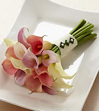 The FTD ® Calla Lily Promise™ Bouquet