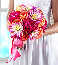 The FTD ® New Love™ Bouquet