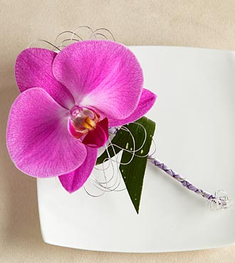 The FTD&reg; Glorious&trade; Boutonniere