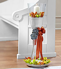 The FTD ® Matrimony Pew Décor