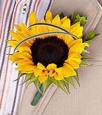 The FTD ® Free Spirit™ Boutonniere