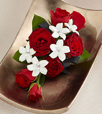 The FTD&reg; Poetry&trade; Corsage