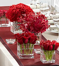 The FTD ® Modern Grace™ Centerpiece