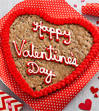 Mrs. Fields ® Happy Valentine 's Day Heart Shaped Cookie Cake