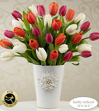 The FTD� Pacific Trends� Bouquet for Kathy Ireland Home