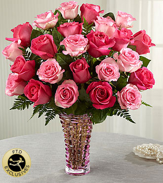 The FTD� Royal Treatment� Rose Bouquet