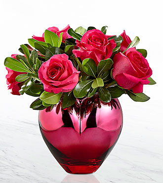 The FTD® Hold Me in Your Heart™ Rose Bouquet -VASE INCLUDED
