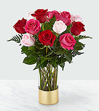 Love & Roses ™ Bouquet – 12 Roses