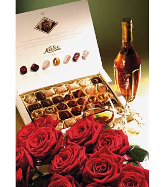 15 Roses wtih Cognac & Chocolates