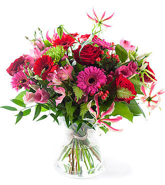 Charming Pink/Red Bouquet. exclusive vase