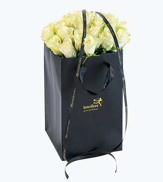 30 White Roses In A Gift Bag