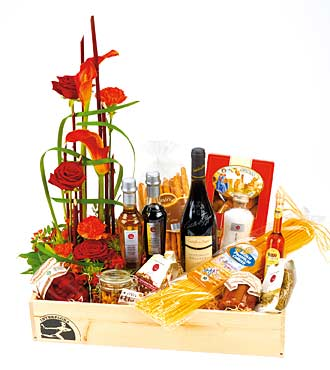 Gourmet Hamper with Bouquet
