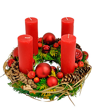Advent wreath with 4 red candles