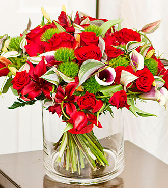 Luxurious Bouquet with Red Roses