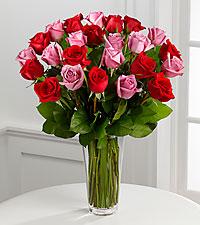 Le bouquet de roses rouges et lavande de FTD® - VASE INCLUS